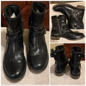 UGG Australia FABRIZIA Leather Ankle Boots 8.5M